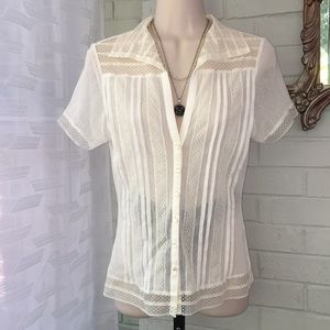 The limited sheer lace button retro vintage top S